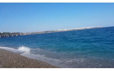 Konyaaltı Sahilinde Dalga Sesleri