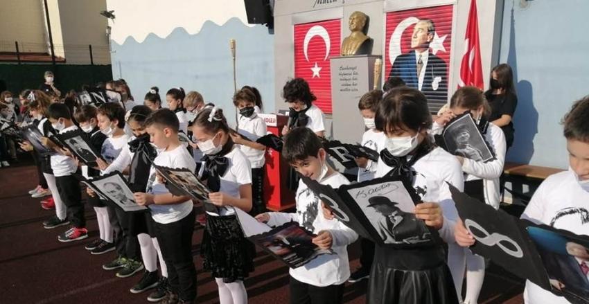 10 Kasımda Atatürk'ü Andık