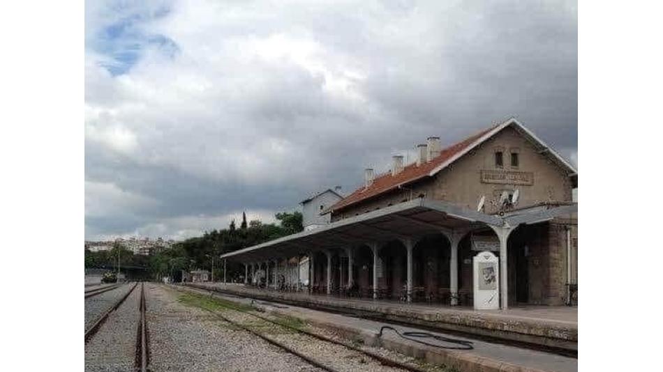 Treni Kaçıranlar